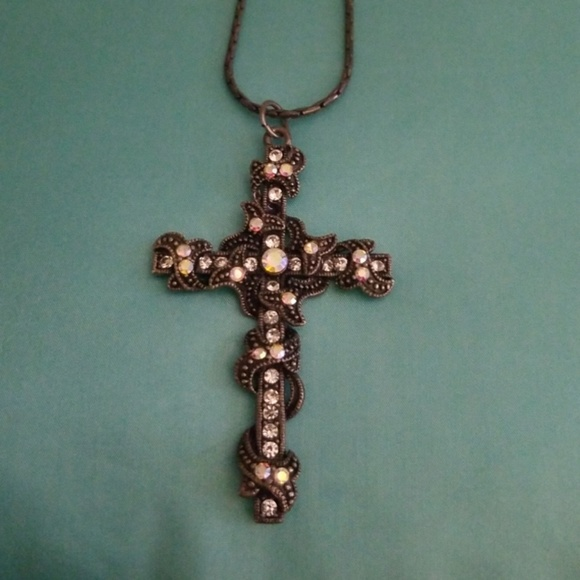 Jewelry - Gothic Cross Pendant With Chain NWOT.